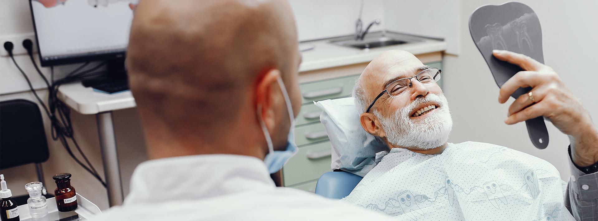 man_with_dentist_3ddental